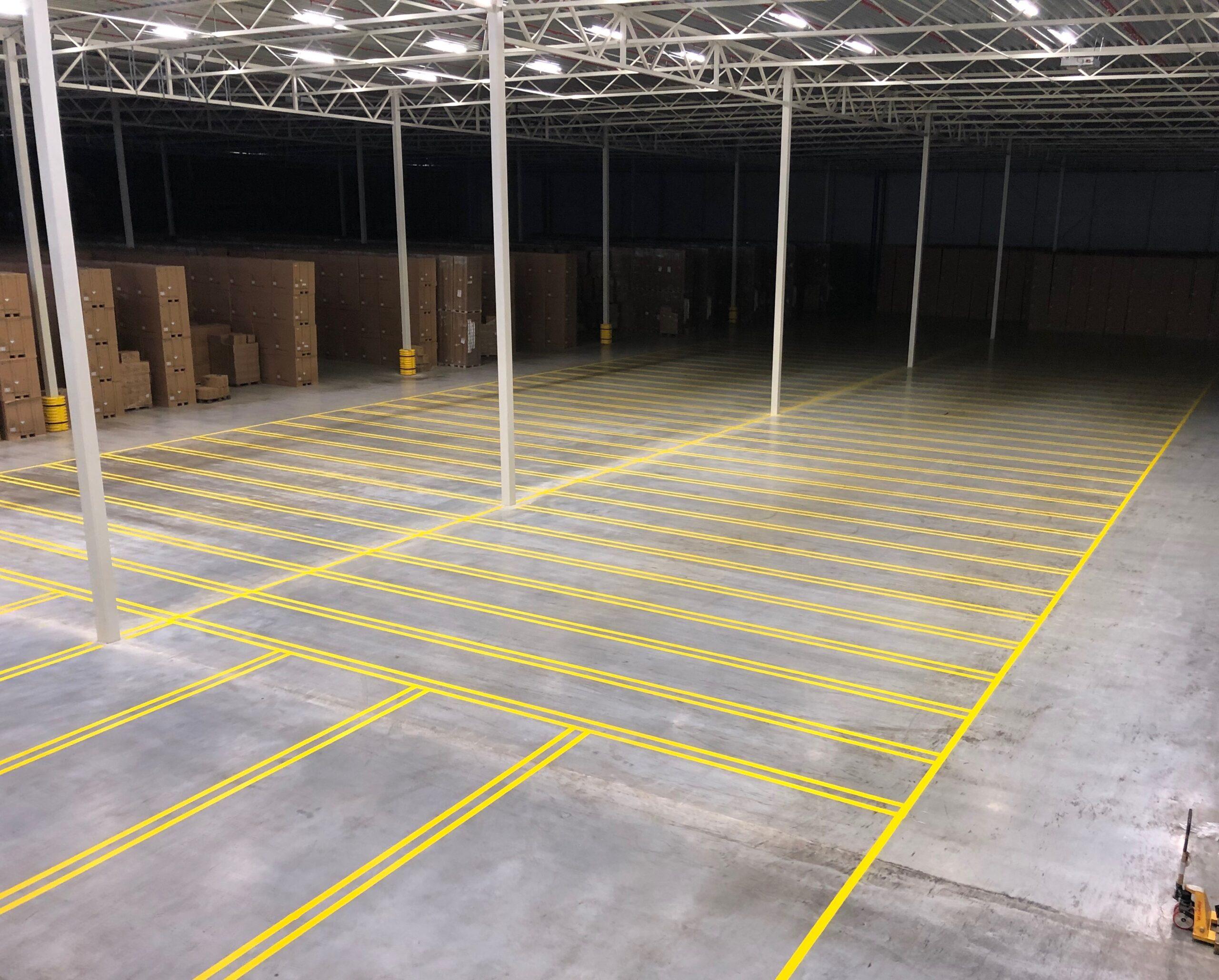 vloerbelijning magazijn distributiecentrum parkeergarage